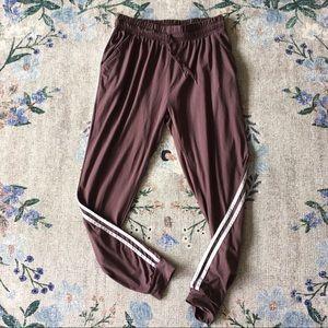 M mauve joggers white side stripes pants comfy